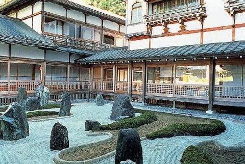 高野山唯一の温泉宿坊福智院