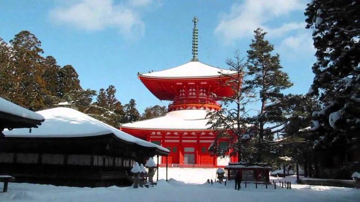 雪の壇上伽藍
