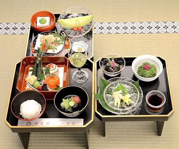 毎月21日はお大師様の日!宿坊では2100円で精進料理が頂けます