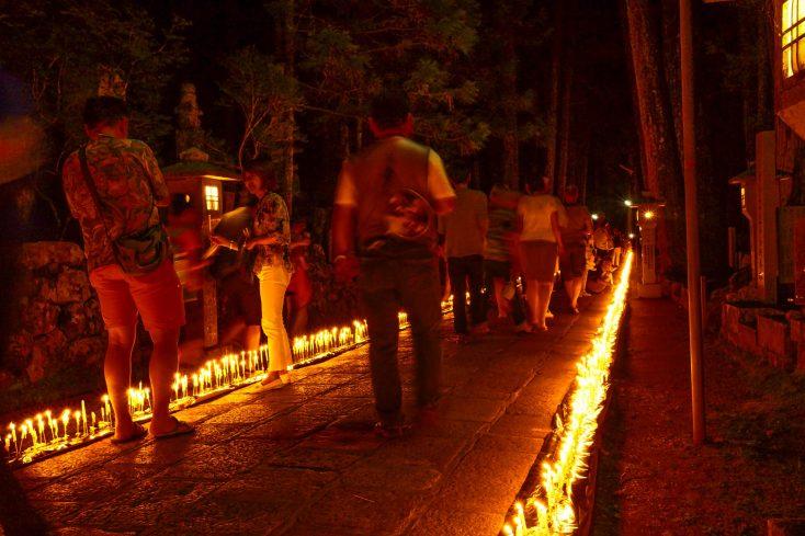 高野山の夏の風物詩・万燈供養会ろうそく祭り